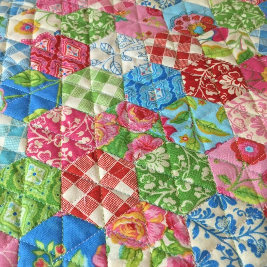 Gypsy Girl Mini Hexagon Quilt 627handworks (9)